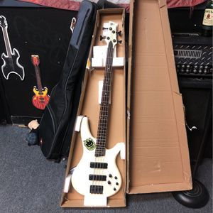 Sound Gear Bass By Ibanez for Sale in Ronkonkoma, NY