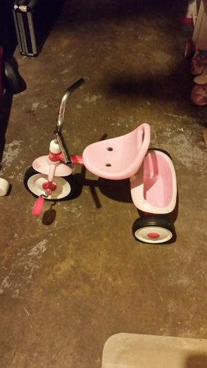 Radio flyer tricycle pink for Sale in Virginia Beach, VA