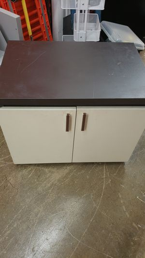 Wheeled file cabinet 20×30×24 inches for Sale in Bowie, MD