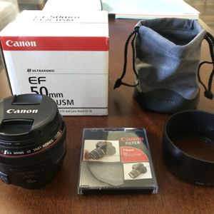 Canon EF 50mm f/1.2L USM Lens with UV Lens Protector for Sale in Burbank, CA