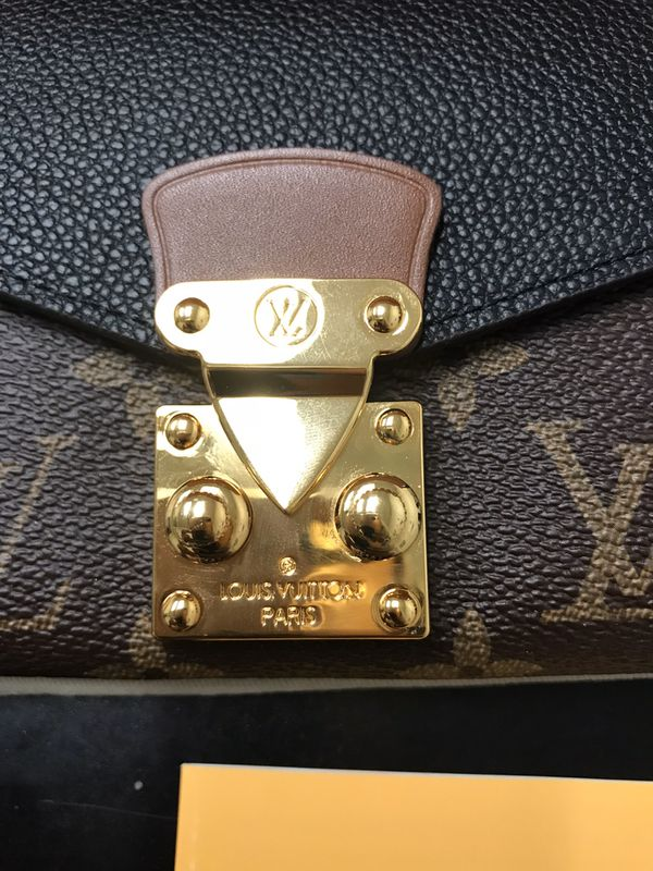 Beautiful lv wallet