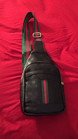 Gucci crossbody bag for Sale in Lauderdale Lakes, FL