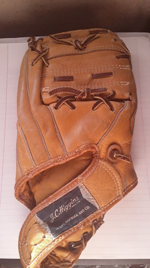 J.C.Higgins baseball glove for Sale in Las Vegas, NV