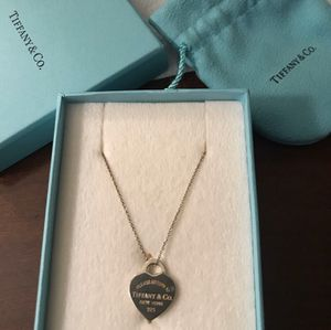 Tiffany & co necklace for Sale in Branchville, NJ