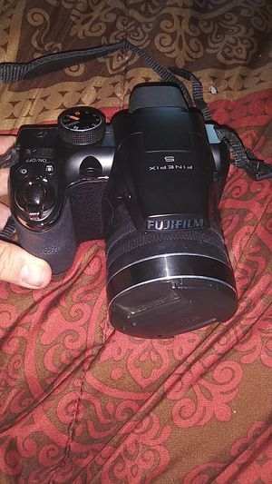 Fujifilm Finepix S with carring case for Sale in Pittsburg, KS