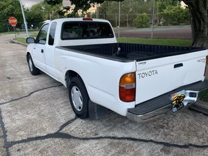 Toyota tacoma sr5 for Sale in Houston, TX