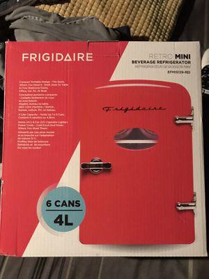 Frigidaire Retro Mini Refrigerator red for Sale in Fullerton, CA