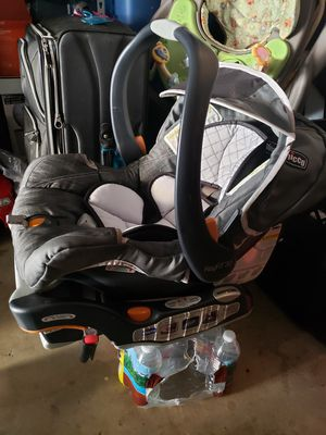 Chicco keyfit car seat with base and adapter for Sale in Westminster, CA