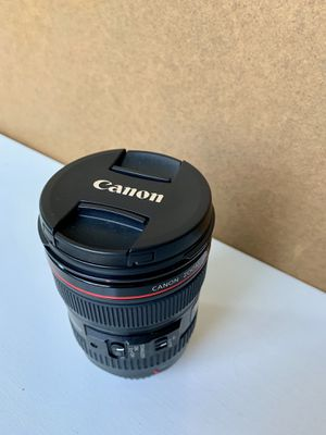 Canon 24-105 f4 L series for Sale in Lancaster, PA
