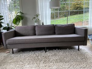 "West elm axel cloth couch 89"" for Sale in Yacolt, WA"