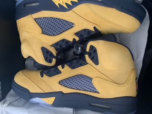 Jordan 5 Michigan fab 5 size 10 for Sale in The Bronx, NY