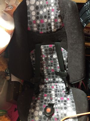 Booster seat excellent condition only used handful of times. Two years old and never in accident hardly ever in car. for Sale in Portage, PA