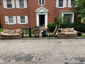 Couches, speakers, subs FREE for Sale in Clearwater, FL
