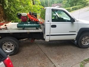 1999 Chevy Silverado 2500 tow truck for Sale in Pittsburgh, PA