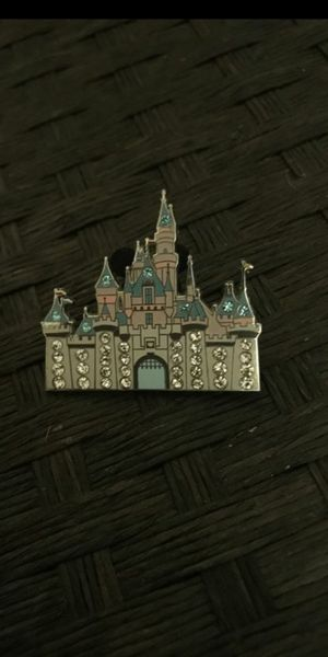 Disneyland Jeweled Cinderella Castle Disney Pin for Sale in Montclair, CA