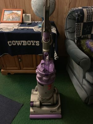 Dyson animal vacuum cleaner for Sale in WILOUGHBY HLS, OH