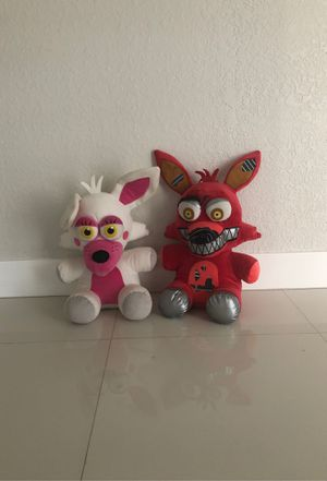Five Nights at Freddies 1foot plushies like new for Sale in Hialeah, FL