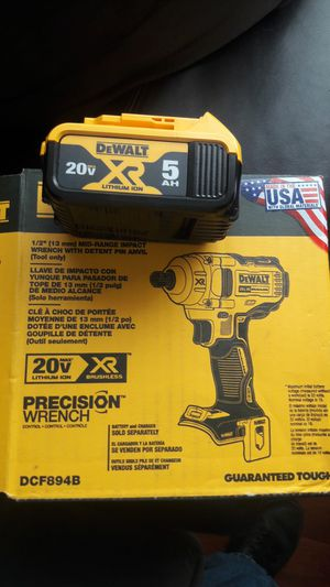 New Dewalt 1/2 inch wrench impact weather 5.0 battery for Sale in Montebello, CA