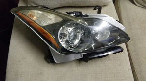 Infiniti parts passenger right headlight g37 coupe for Sale in HALNDLE BCH, FL