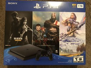 PS4 with three free games NEW IN BOX for Sale in Lake Charles, LA
