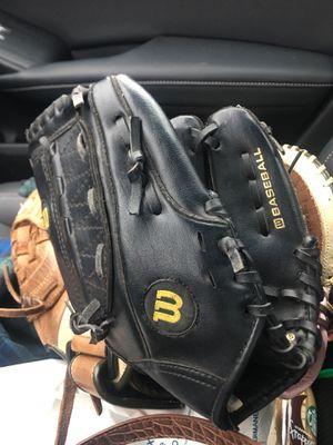 """Wilson black A200 baseball/softball glove 10 1/2 """" Starter Glove for Sale in Lemon Grove, CA"""