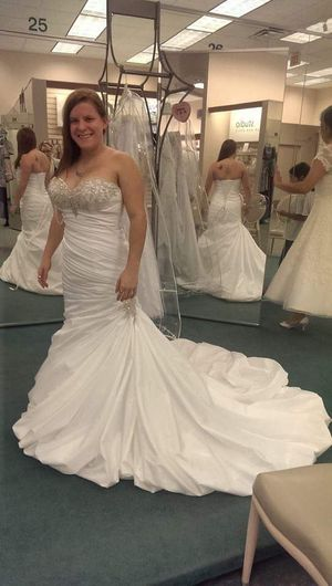 Wedding dress for Sale in Pearl, MS