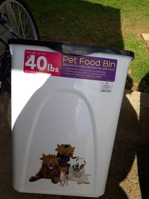 40 lb drive to pet food storage container for Sale in Woodbridge, VA