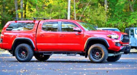RED Tacoma 17 Pickup for Sale in Wichita,  KS