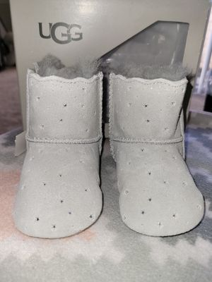 👣UGG NEW INFANT BOOTS SMALL 02/03 for Sale in Mesa, AZ