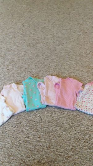 6-9month onesies (6) total for Sale in Fountain, CO
