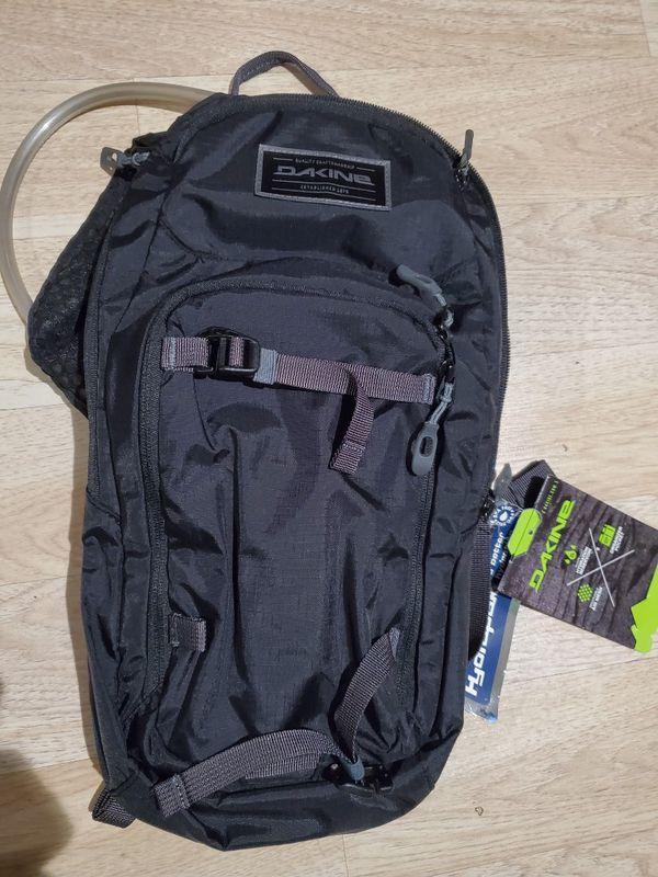 NEW DAKINE hydrapak session 8L hiking backpack