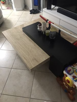Center table (coffee table) for Sale in Miami, FL