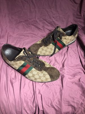 MENS AUTHENTIC GUCCI MONOGRAM SHOES SIZE US 13-14 for Sale in Pittsburgh, PA