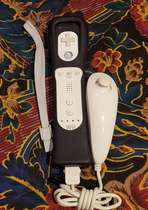 Wii controller and knuckle work for Sale in Riverside, CA