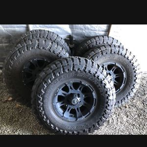Jeep Aftermarket Off-road Wheels And Tires OBO for Sale in Tacoma, WA