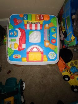 Activity Table for Sale in Woodburn,  OR