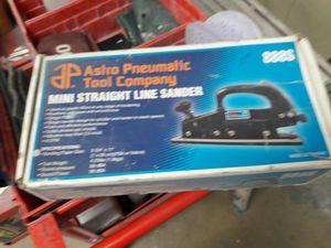 Astro pneu matic. Mini straight line sander for Sale in San Diego, CA