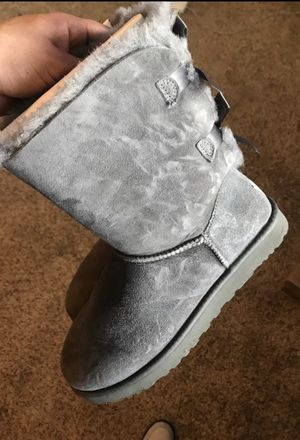 Uggs authentic size 10 for Sale in Dallas, TX