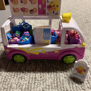 Shopkins Ice Cream Truck (filled with extra shopkins and a driver) for Sale in Tabernacle, NJ