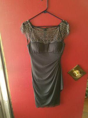 Black evening dress with beaded top size 8 for Sale in Cashmere, WA