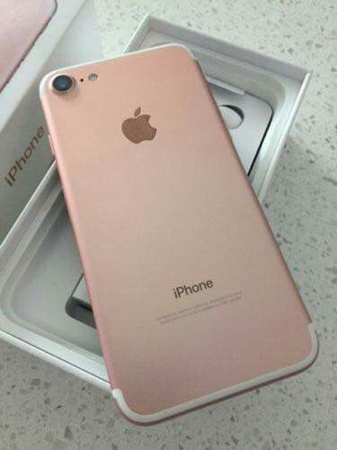 IPhone 7, 32gb UNLOCKED//Excellent Condition, Looks like New//Price is Negotiable
