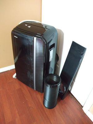 LIKE NEW AC PORTABLE TOSHIBA 14,OOO BTU COMES WITH EXHAUST TUBE AND WINDOW KIT IS TOUCH SCREEN WORKS GREAT FOR ANY QUESTION TEXT ME PLEASE for Sale in Los Angeles, CA