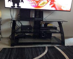 Vendo mueble para tv está puro nuevo for Sale in Manassas, VA