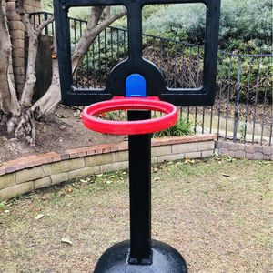 Kids Basketball Hoop for Sale in Chino Hills, CA