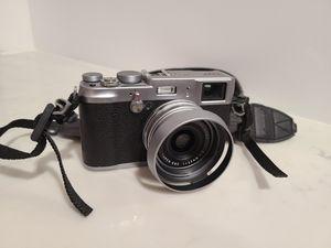 Fuji X100S X100 Digital Camera low shutter count for Sale in Long Beach, CA