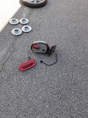 F -150 Driver side power mirror and driver side door handle for Sale in Fairburn, GA