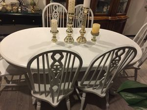 Dining table with 6 chairs and leaf for Sale in Rancho Cucamonga, CA