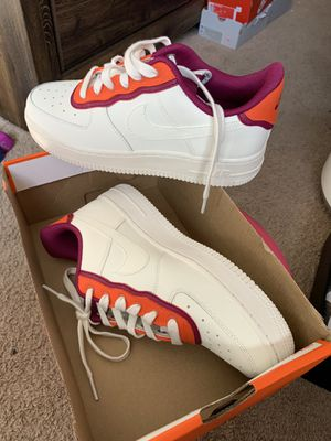 AirForCe 1 Sz 7 Women for Sale in Los Angeles, CA