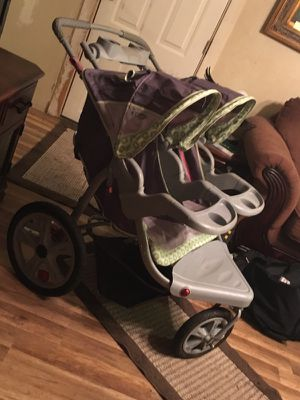 "Instep ""Grand Safari"" Double Capacity (Swivel Style) Jogging Stroller for Sale in Saint Charles, MO"
