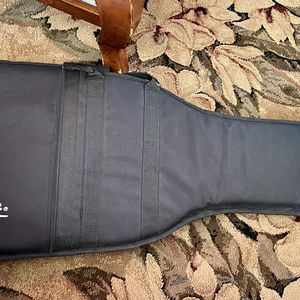 Black Fender Gig Padded Guitar Bag Case For Electric Guitar With Adjustable Backpack Carrier Straps for Sale in Queen Creek, AZ